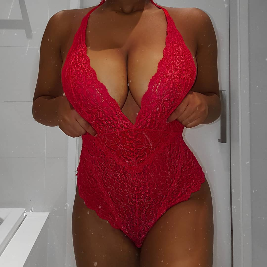 Zeus Chioma Teases Her Followers With Raunchy Photos Of Her Massive Cleavage And Lots Of Skin | +18 PHOTOS 5
