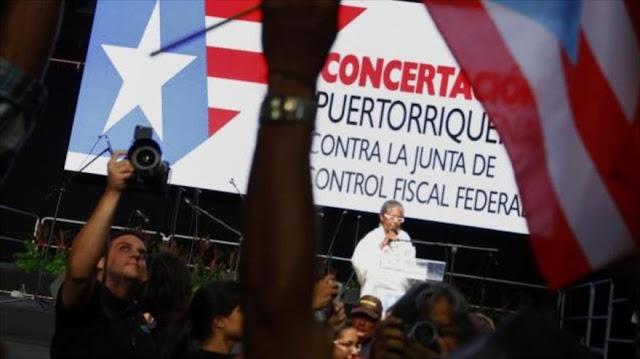 Puertorriqueños protestan contra el control que pretende imponer EEUU