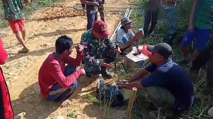 Untuk Mempermudah Aktivitas Warga, Satgas 641 Karya Bhakti Perbaiki Akses Jalan
