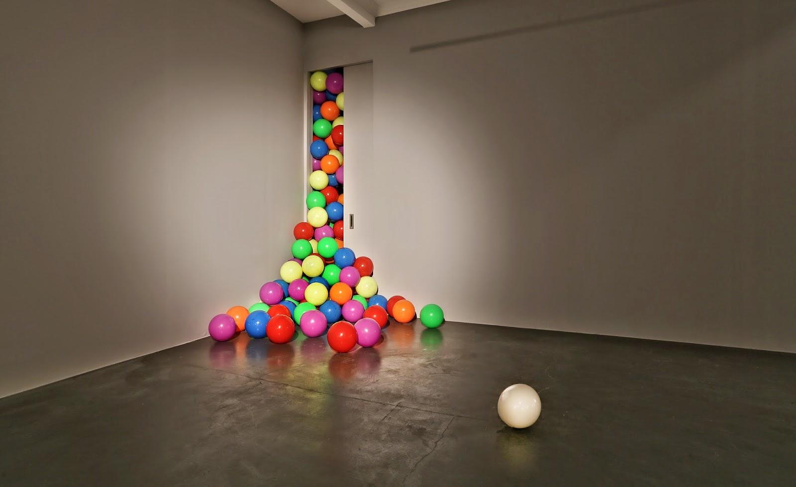 dönersen ıslık çal balls installation