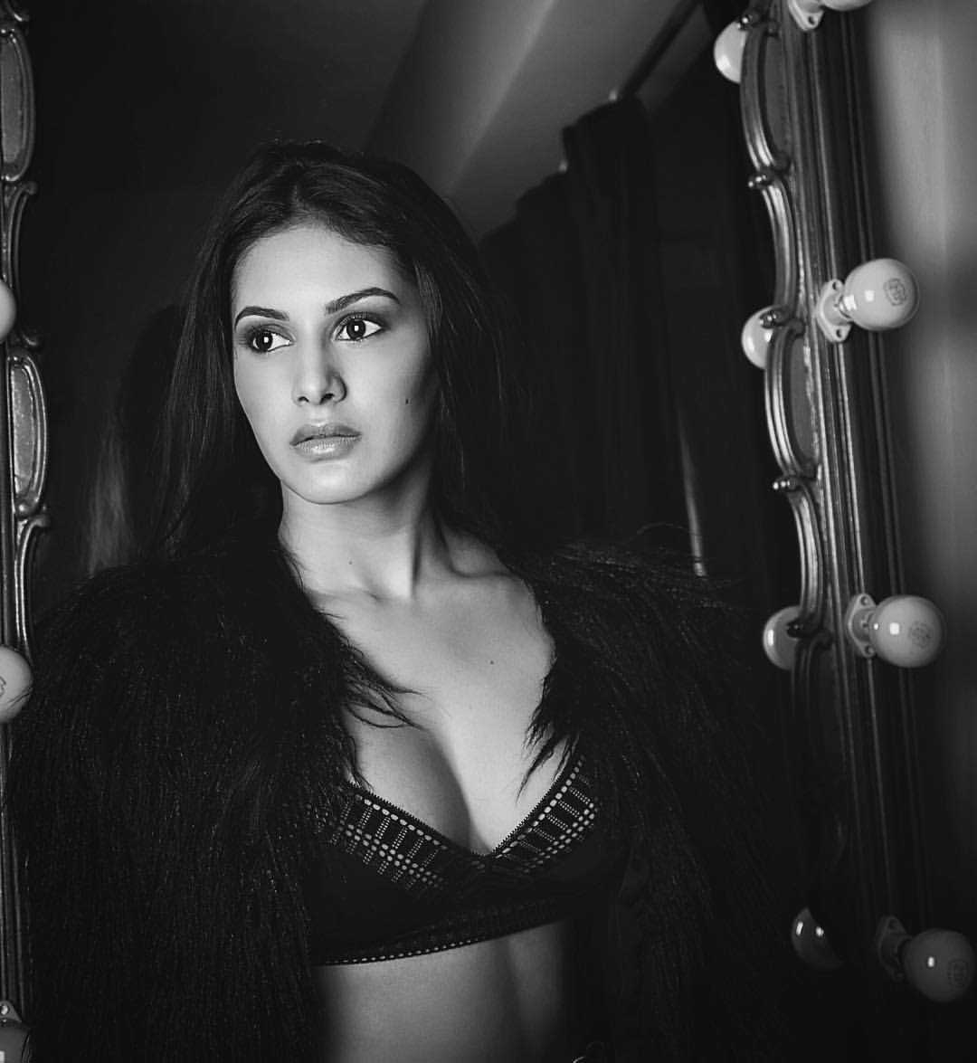 Amyra Dastur Hot and Sexy  Cleavage