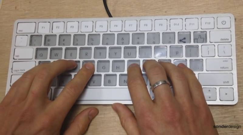 Informasi Teknologi - Keyboard Display E-Ink Apple