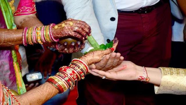 प्रेमिका के साथ भागा दूल्हा, दुल्हन ने बाराती से की शादी