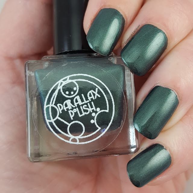 Deep-emerald-green-nail-polish