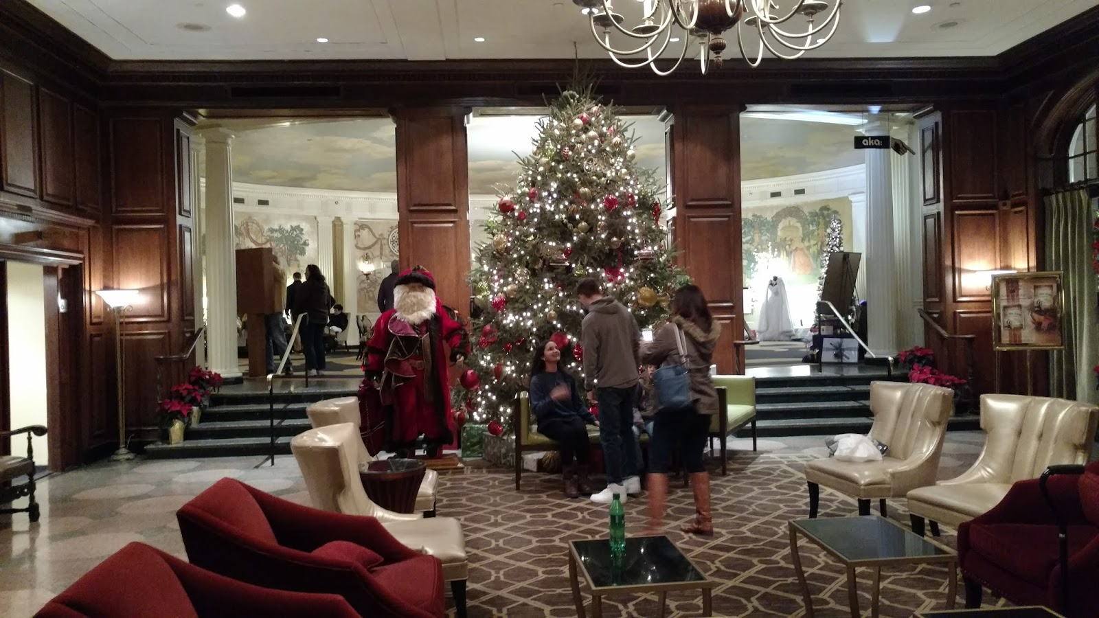 Hotel Roanoke Regency Room Christmas