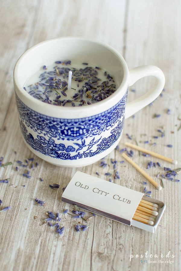 blue willow mug with diy candle