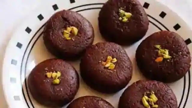 Chocolate Peda: Make delicious Peda from Chocolate, this is an easy recipe