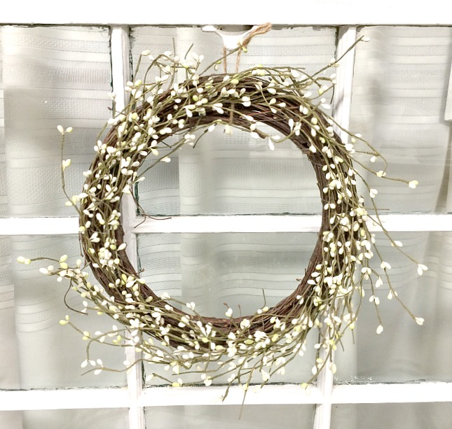 How to Make a Pip Berry Wreath From a Thrift Store Find