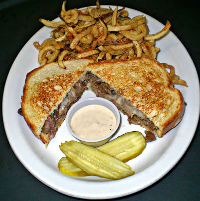 Wobbly Boots Roadhouse, gourmet sandwiches, Lake of the Ozarks