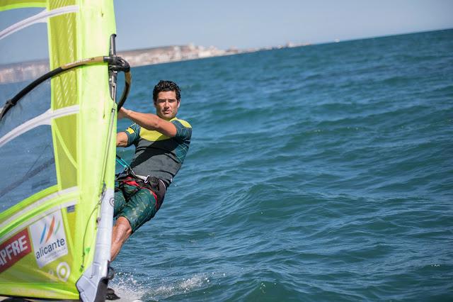 Iván Pastor, el windsurfista qué más títulos recoge en su palmarés de nuestro país