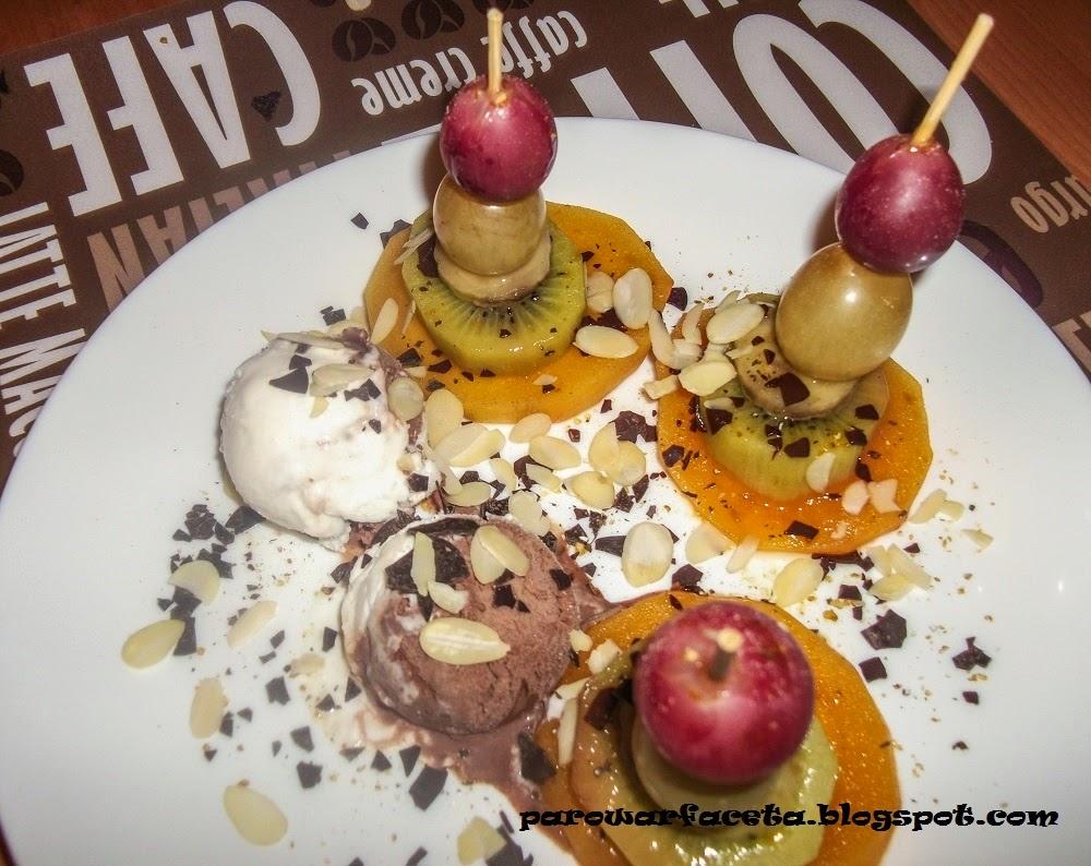 owoce z lodami z parowaru
