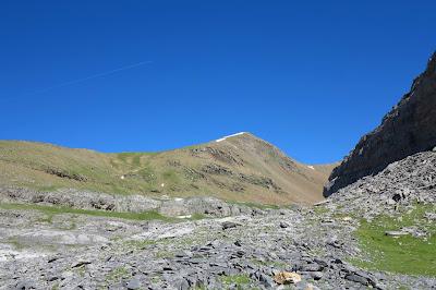 El Pico Mondarruego visto tras coronar las paredes de Carriata, aún nos queda un rato
