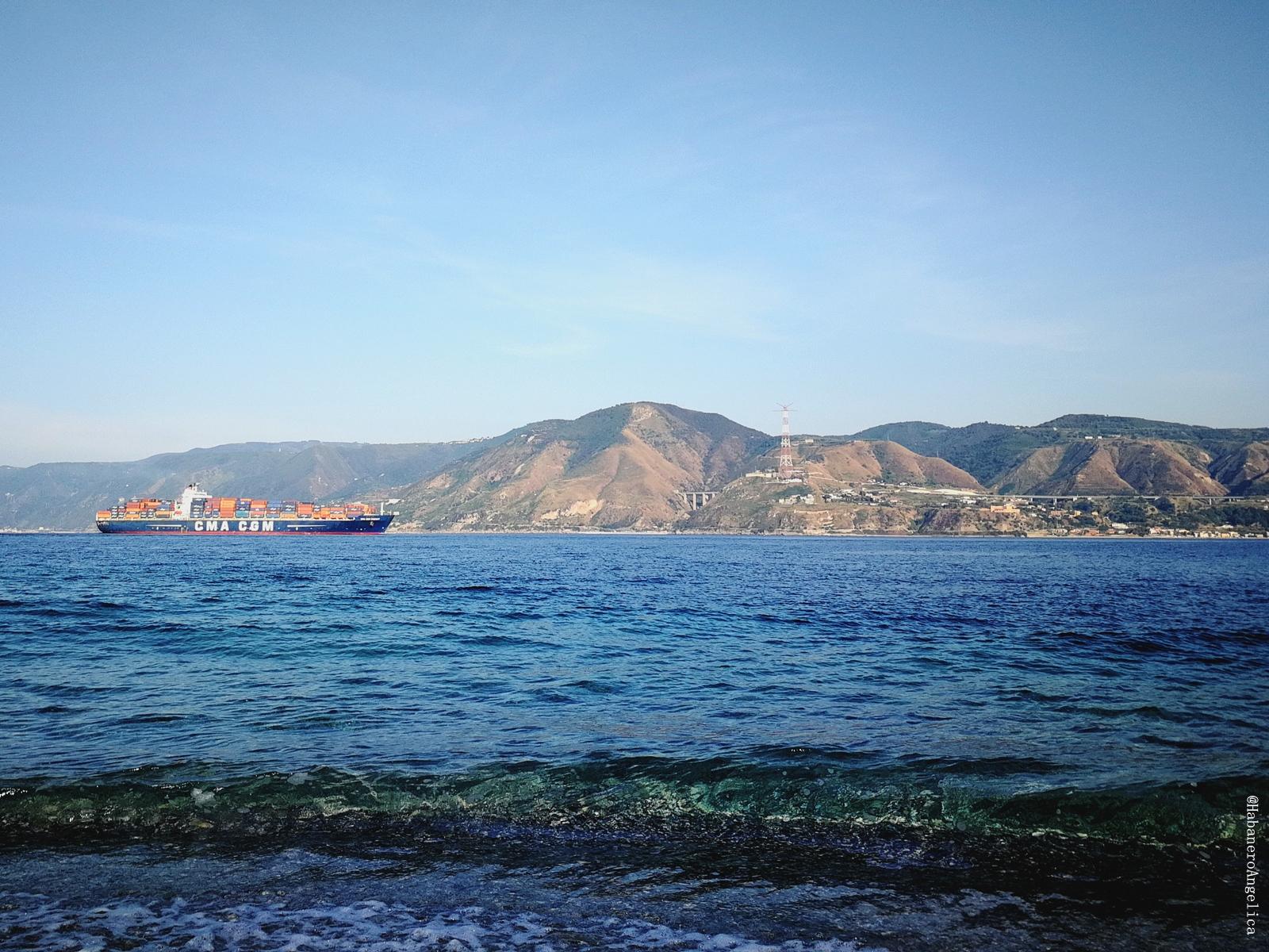 Stretto di MessinaScilla e Cariddi Sicilia Calabria Strait of Messina Ecosystem