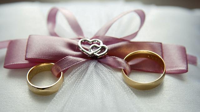 cincin-kawin-berlian-pola-desain-mewah
