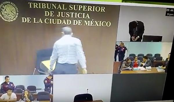 Suspenden a Juez por romper su silla, lo quería de piel fina