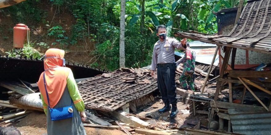 Dapur Rumah Warga Pengadegan Ambruk, Korban Alami Kerugian Rp.15 Juta