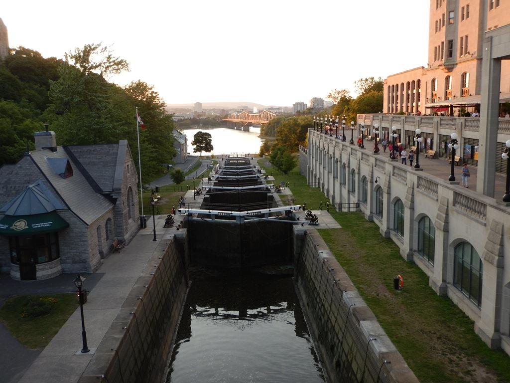 Fim de tarde no Canal Rideau