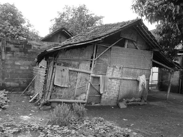 Gubug Anyaman Bambu