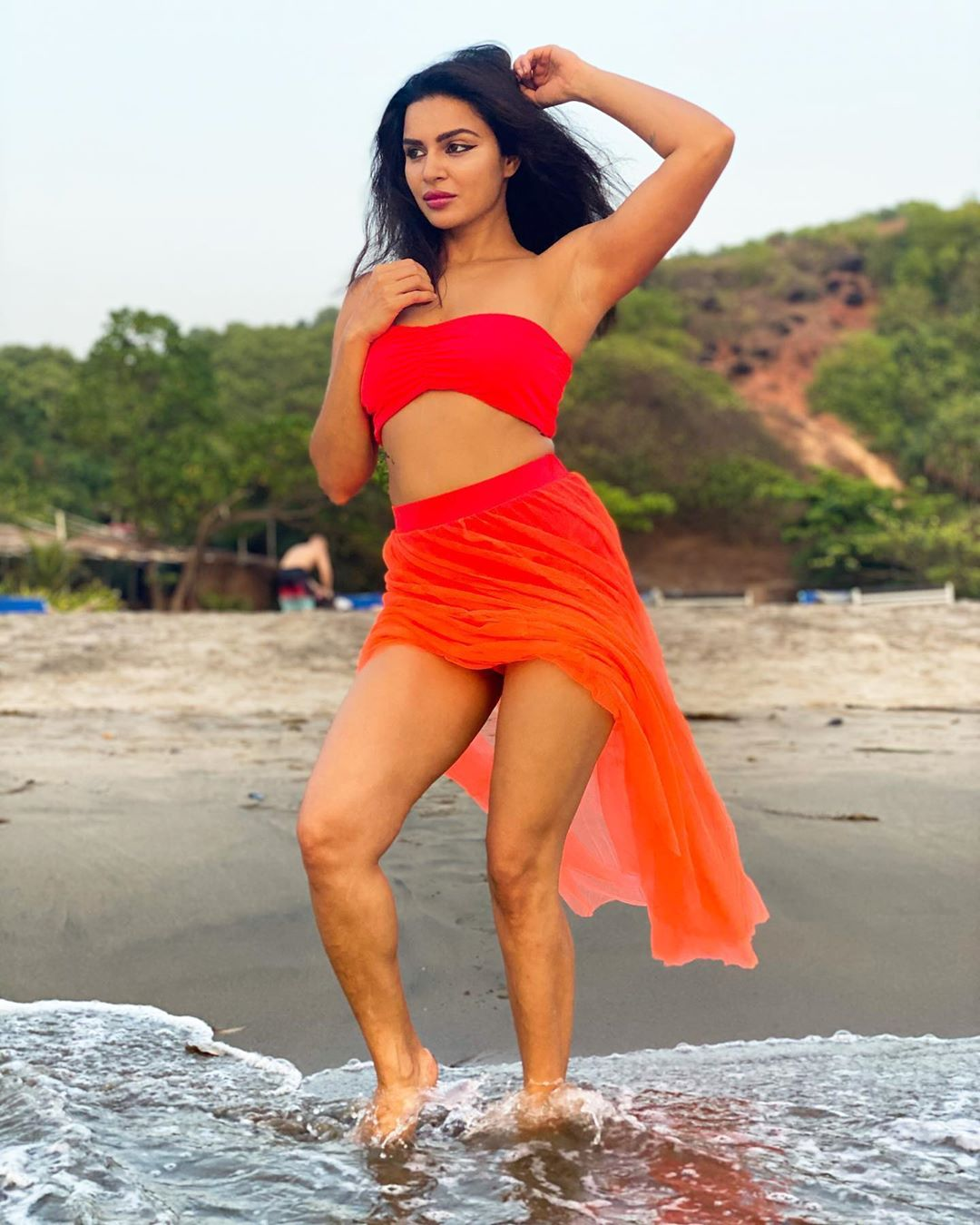 these-hot-pictures-of-asha-gordia-created-sensation-on-social-media