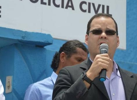 Delegado de Canhotinho em nota esclarece rumos da investigação sobre assassinato do vice-prefeito Erinaldo Santos