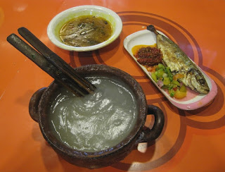 Kuliner Indonesia - Papeda atau Bubur Sagu