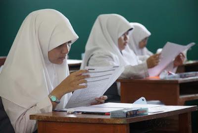 Contoh Soal Penilaian Tengah Semester (PTS) Semester 1 Bahasa Indonesia Kelas 9 Edisi Terbaru