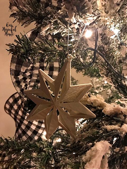 3-d white star Chrostmas ornament