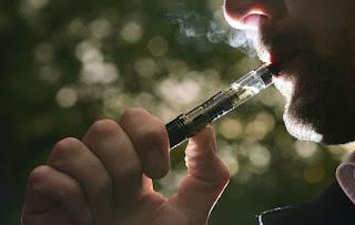 Επιστημονική έρευνα: «Η εισπνοή ατμού βλάπτει τον πνεύμονα όσο η εισπνοή καθαρού αέρα»