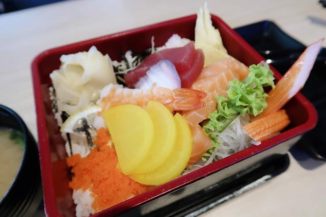Chirashi Sushi @ Nippon Sushi