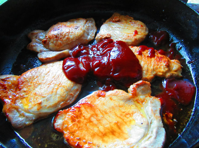 Skillet BBQ pork chops by Laka kuharica: add in water and bbq sauce
