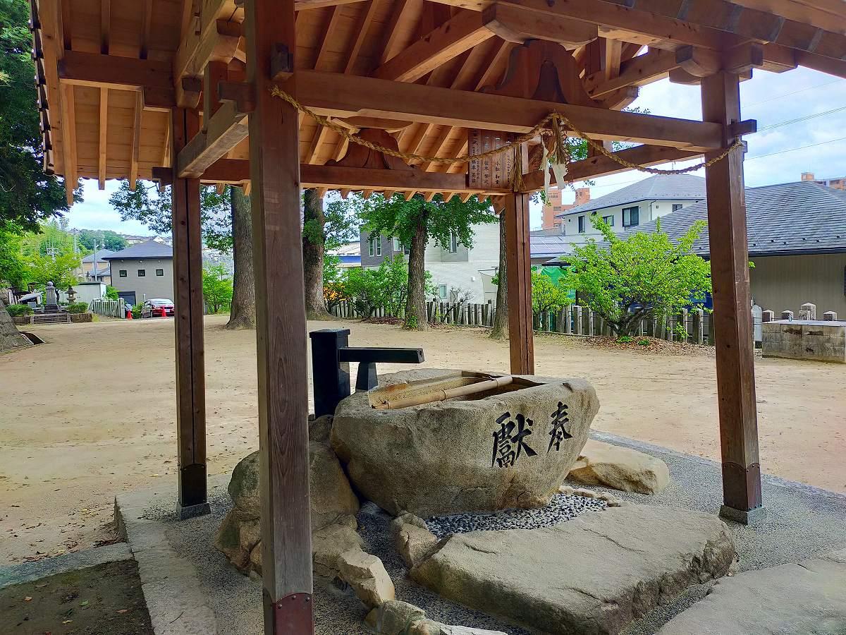 田中山神社の手水舎