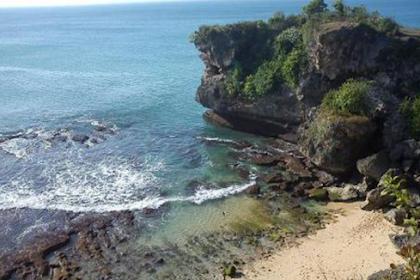 Innalillaahi.. Foto di Pinggir Tebing di Bali, Remaja Tewas Terpeselet