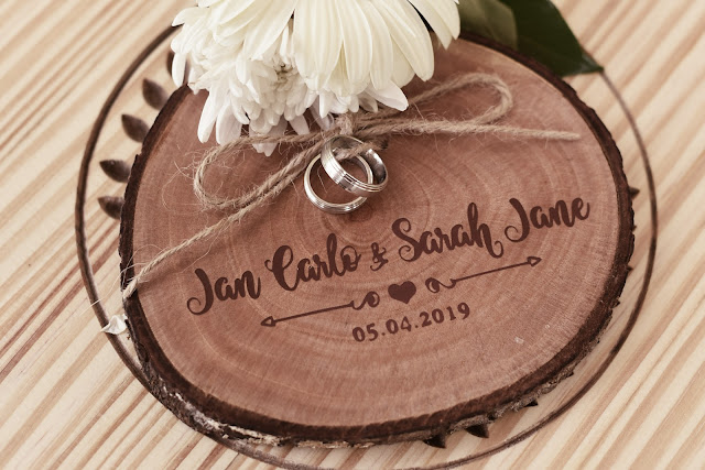 Rustic wedding ring holder