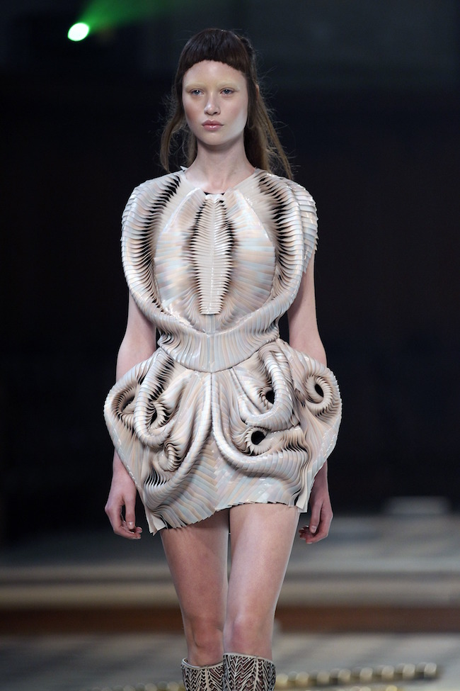 Haute Couture FW16 Fashion Week Show - Iris Van Herpen