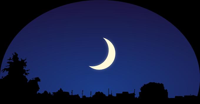 Saat Bulan Sabit Mengecil di Ujung Ramadhan