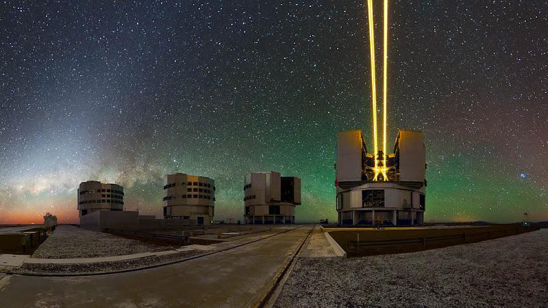 Telescópio dispara laser na mesofera, e o motivo é surpreendente