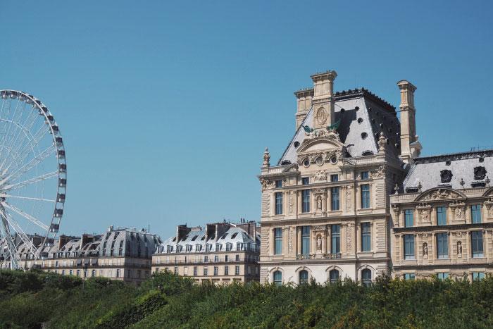 Vue depuis le jardin des Tuileries à Paris