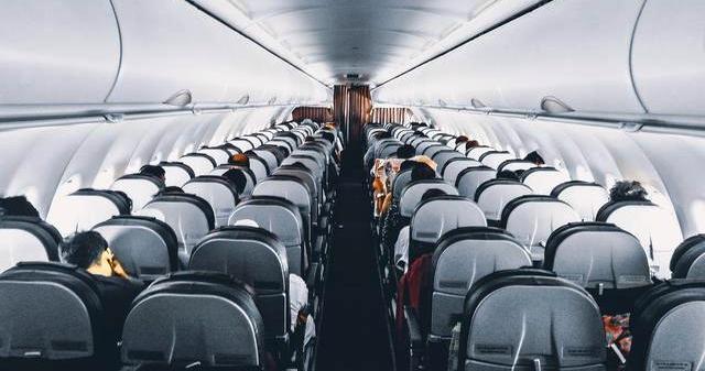 Mulai Hari Ini Tarif Batas Atas Tiket Pesawat Turun