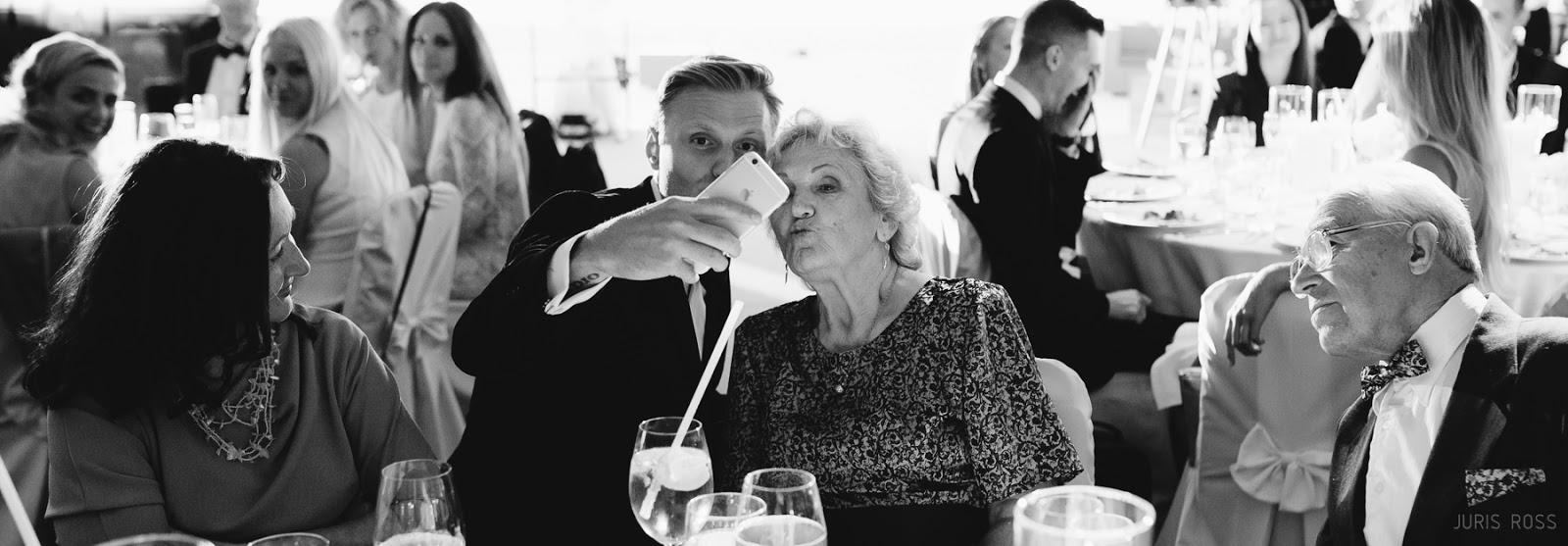 labs kāzu reportāžas fotogrāfs vakara vadītājs Zeltiņš