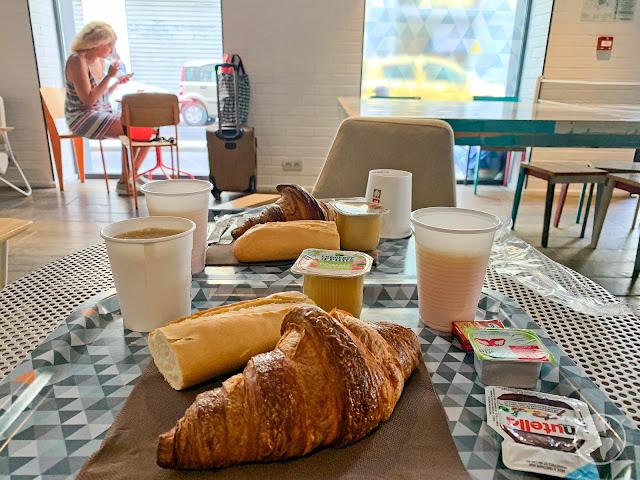 Café da manhã no hostel em Nice