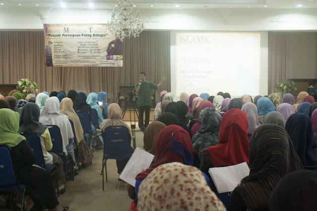 ciri ciri wanita muslimah