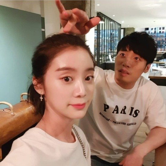 WONDER GIRL Hyelim announces that she will be getting married to Taekwondo Fighter Shin Minchul.