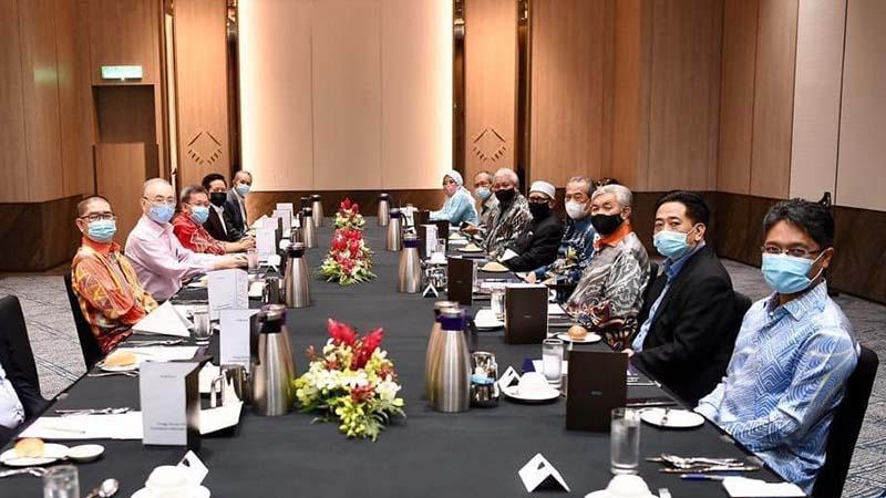 Parti kerajaan PN, termasuk UMNO setuju tubuh Majlis Presiden