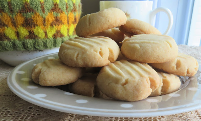 Mary Berry's 3-Ingredient Fork Cookies