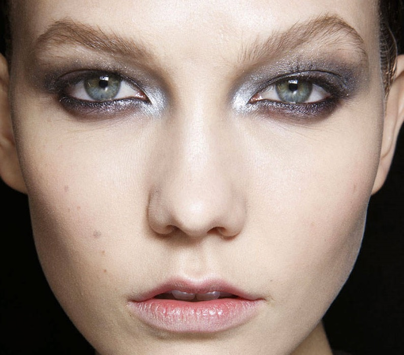 Natural runway makeup