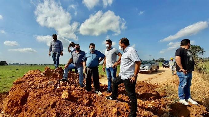 Deputado Laerte Gomes vistoria construção de bueiros em linhas vicinais de Teixeirópolis