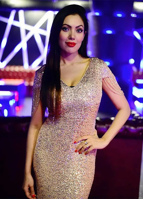 Television Actress Munmun Dutta Hot Pictures in Different Outfits Navel Queens