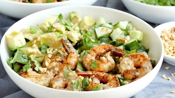 Shrimp and Avocado Salad With Miso Dressing #healthyfood #dietketo #breakfast #food