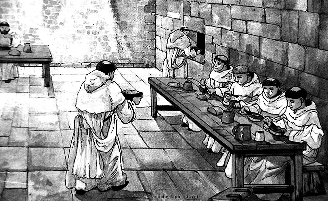Жизнь в бывшем монастыре августинского монашеского ордена Ронсесвальеса