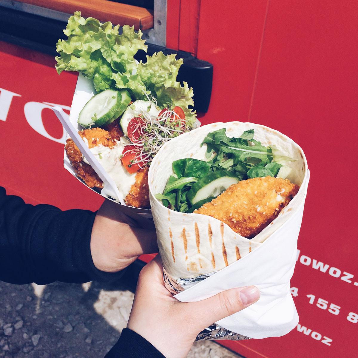 Dania z food truck'a Kołowóz - kurczaktilla i ser kulla.